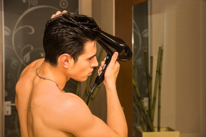 استفاده درست از سشوار برای کمترین آسیب به مو